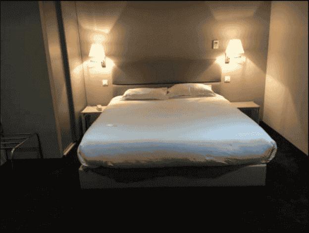 HOTEL CARLTON CHAMBRE