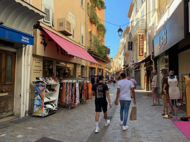 ACHAT BEAU MAGASIN RUE MEYNADIER À CANNES – CL4136