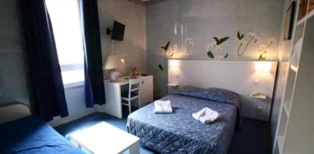 À VENDRE HOTEL BUREAU 2** CANNES – PL4252